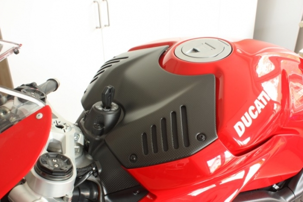 Battery / Tank Cover Ducati Panigale V4 R
